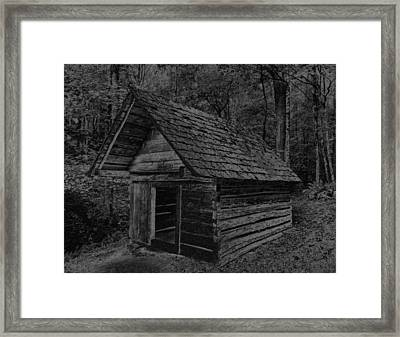 Cades Cove Shed Framed Print by Gary Rieks