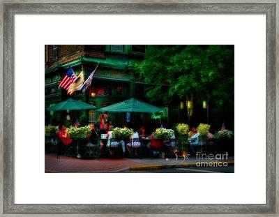 Cafe Alfresco Framed Print by Susan Candelario