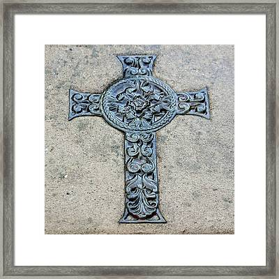 Celtic Cross IIi Framed Print by Suzanne Gaff