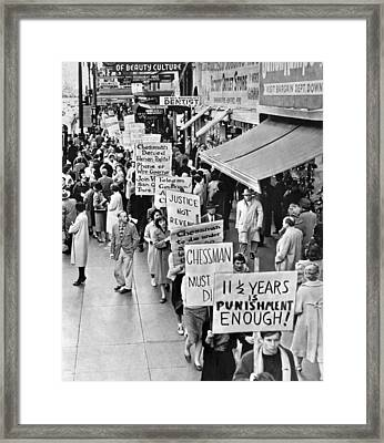 Chessman Execution Protesters Framed Print by Underwood Archives