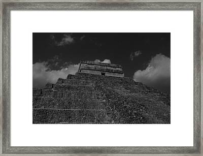Chichen Itza Mayan Ruins  Framed Print by Shaun Maclellan