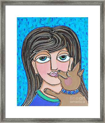 Chihuahua Kisses Framed Print by Cynthia Snyder