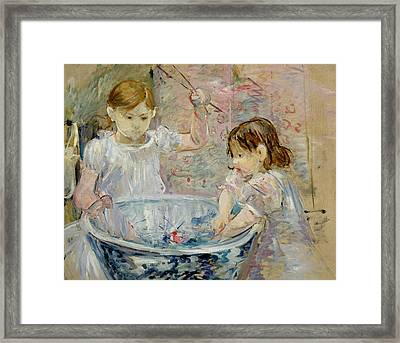 Children At The Basin Framed Print by Berthe Morisot