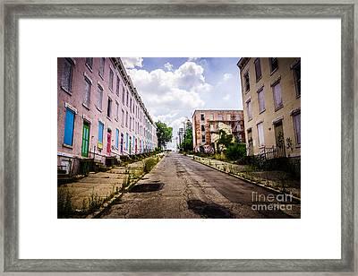 Cincinnati Glencoe-auburn Place Image Framed Print by Paul Velgos
