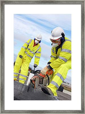 Circular Saw Operators Framed Print by Crown Copyright/health & Safety Laboratory Science Photo Library