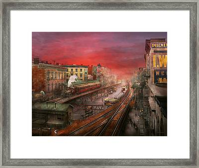 City - Ny - Rush Hour Traffic - 1900 Framed Print by Mike Savad