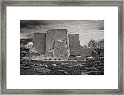 Classic In B-w Framed Print by Charles Muhle
