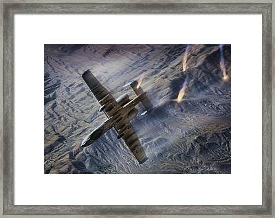 Combat Hog Framed Print by Peter Chilelli