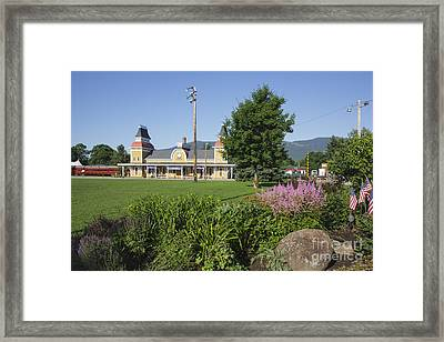 Conway Scenic Railroad - North Conway New Hampshire Usa Framed Print by Erin Paul Donovan