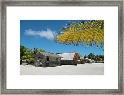Cook Islands Palmerston Island Current Framed Print by Cindy Miller Hopkins