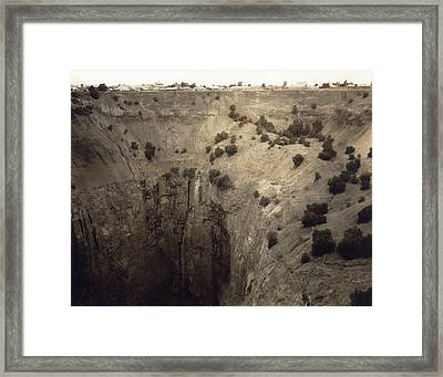 Crater Of Fortune Diamond Mine Framed Print by Underwood Archives