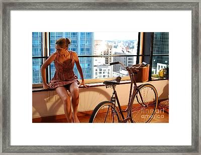 Cycle Introspection Framed Print by Carlos Alkmin