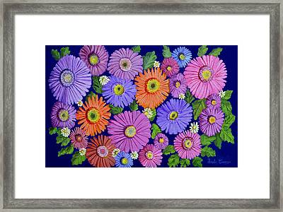 Dasies 1 Framed Print by Thecla Correya