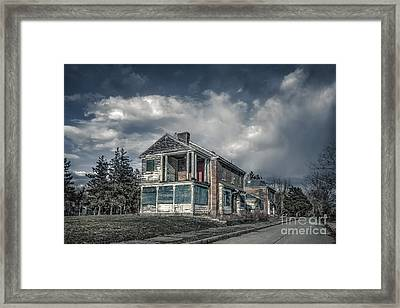Dead End Street Framed Print by Evelina Kremsdorf