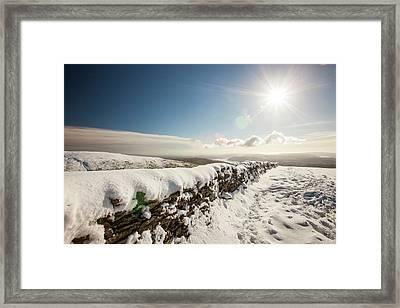 Deep Snow On The Fairfield Horseshoe Framed Print by Ashley Cooper