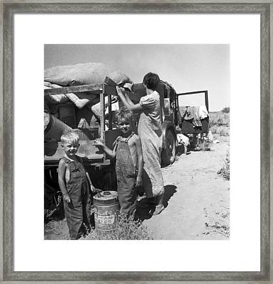 Depression Refugees Framed Print by Underwood Archives