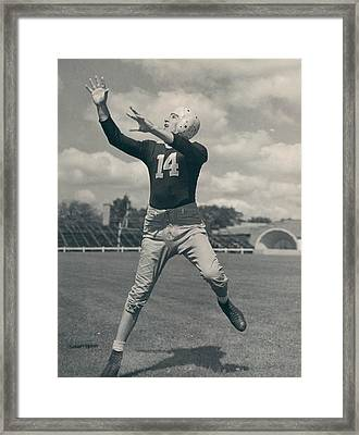 Don Hutson Poster Framed Print by Gianfranco Weiss