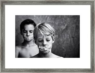 Don't Look, Don't Speak Framed Print by Mirjam Delrue