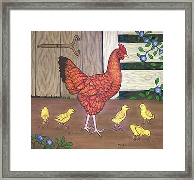 Dottie The Chicken Framed Print by Linda Mears