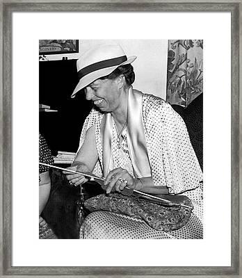 Eleanor Roosevelt Knitting Framed Print by Underwood Archives