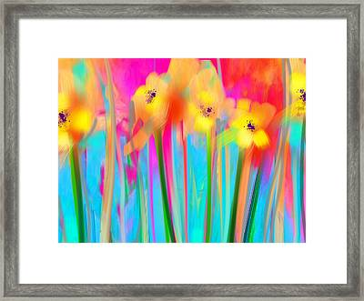 Electric Daisies  Framed Print by Maureen Kealy
