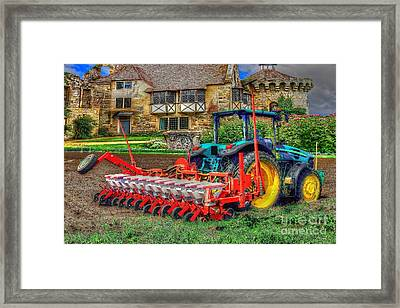 English Countryside Framed Print by L Wright