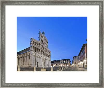 Europe, Italy, Tuscany, Lucca, Piazza Framed Print by Rob Tilley