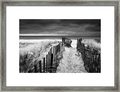Evening Wave Check Bw Framed Print by Ryan Moore
