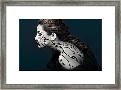 Eye To Eyes Framed Print by Yudhistira Yogasara