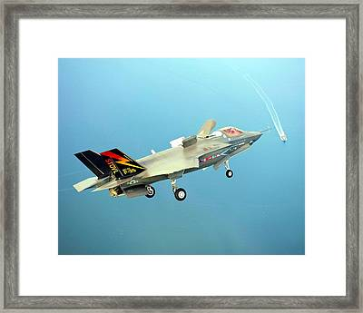 F 35 Joint Strike Fighter Final Approach Us Assault Carrier Enhanced II Framed Print by US Military - L Brown