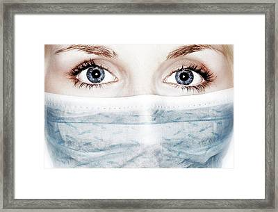 Face Mask Framed Print by Crown Copyright/health & Safety Laboratory Science Photo Library