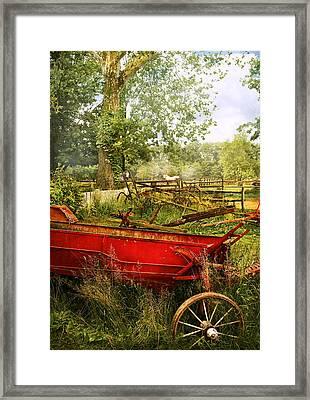 Farm - Tool - A Rusty Old Wagon Framed Print by Mike Savad