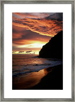 Fire In The Sky Framed Print by Cliff Wassmann