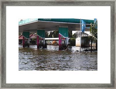 Flooding Of Stores And Shops In Bangkok Thailand - 01135 Framed Print by DC Photographer