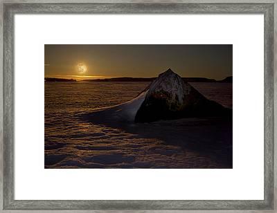 Full Moon Framed Print by Damien Gilbert