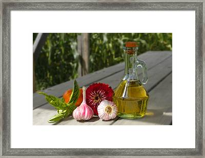 Garlic Framed Print by David Simons