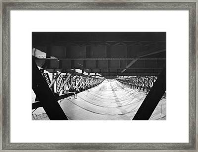Ggb halfway To Hell Club Net Framed Print by Underwood Archives