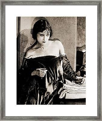 Gloria Swanson Framed Print by Studio Release