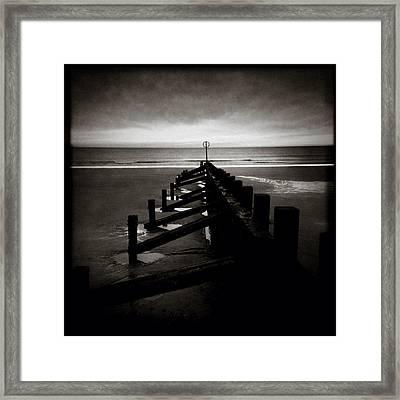 Groyne 1 Framed Print by Dave Bowman
