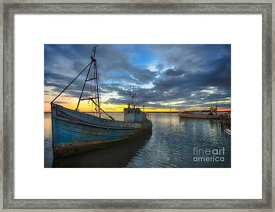 Guiding Light Wreck Sunset Framed Print by English Landscapes