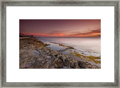 Hawaii Sunset Paradise  Framed Print by Tin Lung Chao