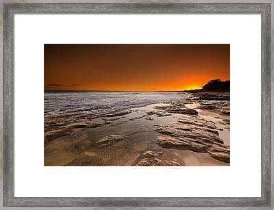 Hawaiian Sunset Framed Print by Tin Lung Chao