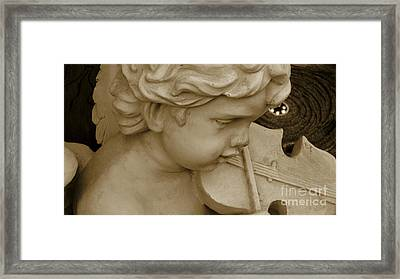 Heavenly Violine Framed Print by Susanne Van Hulst