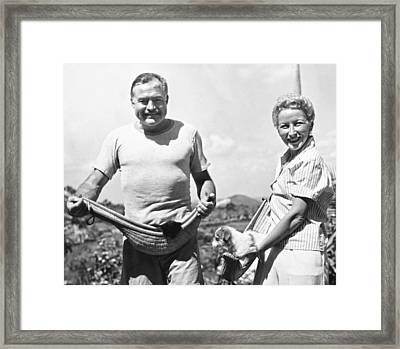 Hemingway, Wife And Pets Framed Print by Underwood Archives
