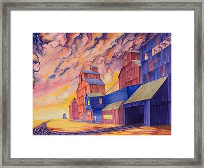 Hi-line Facing West Framed Print by Scott Kirby