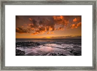 Honolulu Sunset At Koolina Resort Framed Print by Tin Lung Chao