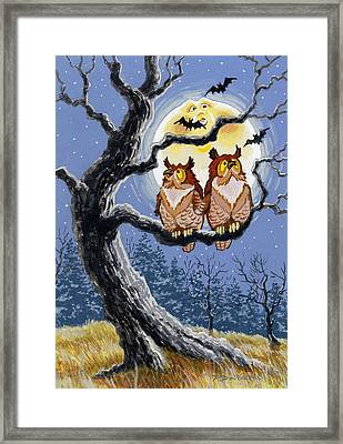 Man In The Moon Framed Print featuring the painting Hooty Whos There by Richard De Wolfe