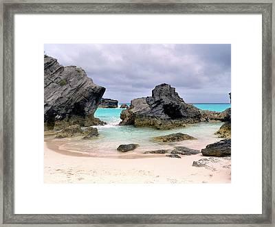 Horseshoe Beach In Bermuda Framed Print by Janice Drew