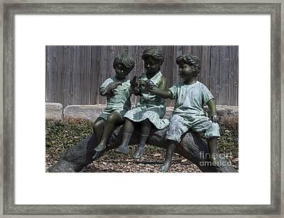 In The Garden Framed Print by Liane Wright
