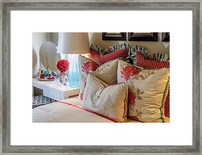 Interscape A10i Framed Print by Otri Park